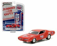 GREENLIGHT 1:64 RUNNING ON EMPTY 1971 DODGE CHARGER STP DIECAST CAR 41010-E