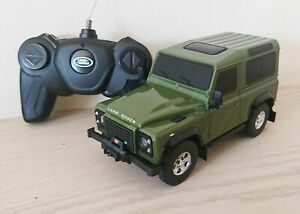 Land Rover Defender Green Remote Control Car Scale 1:24 NEW
