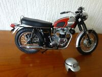 The 1969 Triumph Bonneville - 1:10 Diecast Model from The Franklin Mint.
