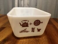 Vintage 1972-79 Pyrex 0502 1 1/2PT Early American Refrigerator Dish, Clean!