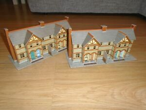 Pair of SuperQuick Card Buildings for Hornby OO Gauge Train Sets