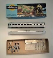 Athearn Burlington HO Scale Streamlined Passenger Car Observation Kit 1833