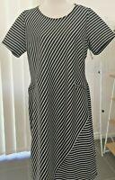 Women's Dress Black White Diagonal Strip Short Sleeves Sz18Au AS NEW
