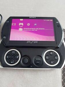 PSP GO + Cargador