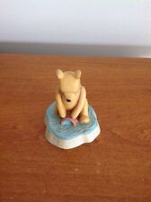 """DISNEY Lenox """"Winnie the Pooh"""" Thimble POOH and HONEY POT COLLECTING WATER"""
