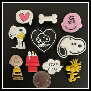 10 Shoe Charms for Crocs PEANUTS Comic SNOOPY Charlie Brown Dog Doghouse Tag