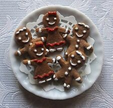 Dolls house miniatures: porcelain plate with gingerbread boys and girls