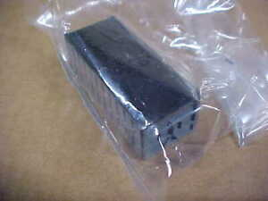 UNBRANDED N SCALE SHIPPING CONTAINER - SILVER (NEW)