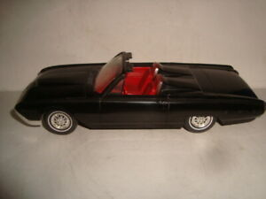 AMT 1962 Ford Thunderbird Sports Roadster Dealer Promo Model Car