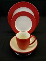 NORITAKE Colorwave Raspberry Stoneware, 4 piece setting, red