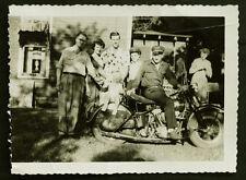 ORIGINAL Vintage HARLEY DAVIDSON KnuckleHead MOTORCYCLE Photograph w/ HD CAP HAT