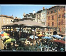 FIGEAC (46) STANDS MARCHANDS à la HALLE au Marché & COMMERCES animé