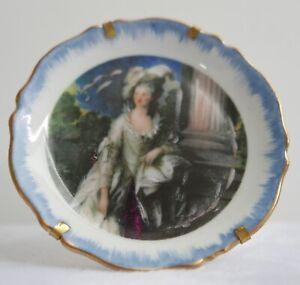 Assiette miniature en porcelaine de Limoges—Portrait femme—Diamètre 8,7 cm