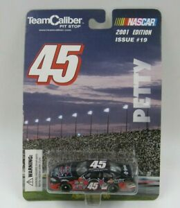 Team Caliber Pit Stop Petty #45 2001 Issue 19 1:64 Scale Diecast