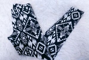Victorias Secret PINK Leggings Black White Tribal Print Womens XSmall Yoga Pants