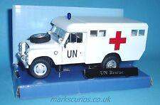 Cararama 1:43 - Land Rover S3 109 - UN Ambulance