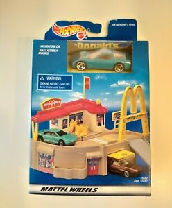 Vintage Mattel Hot Wheels McDonalds Portable Playset 1998 Old Stock