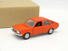 Schuco SB 1/43 - VW Passat Red Orange