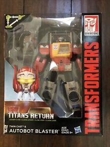 TRANSFORMERS - Titans Return -( AUTOBOT BLASTER )- Leader Class NEW