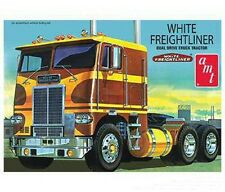 AMT 620 1/25 White Freightliner Dual Drive Tractor Cab  NEW NIB AMT620