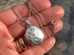 vintage 925 silver locket and Chain ~ Flower Design