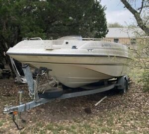 1998 Bayliner Rendezvous 21' Deck Boat & Trailer - Texas