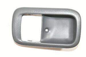 96 97 98 99 00 Toyota RAV4 Interior Door Handle Bezel Right Passenger Front Gray