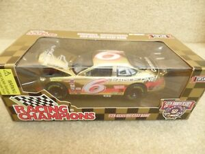 1998 Racing Champions 1:24 Gold NASCAR Mark Martin Eagle One Ford Taurus HO #6 a