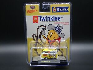 2021 M2 MACHINES 1960 VW DELIVERY VAN HOSTESS TWINKIES HOBBY EXCL HS13 20-100