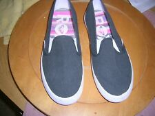 Roxy Gray Venture size 7.5 slip ons Tennis shoes