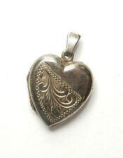 Vintage 925 Sterling Silver PATTERNED LOVE HEART PICTURE LOCKET PENDANT 2.5g