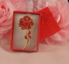 BOXED GOLD TONE RED ROSE DIAMANTE RHINESTONE CRYSTAL VALENTINE BROOCH PIN
