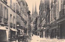 BAYONNE 106 la rue du port-neuf et les flèches de la cathédrale attelage