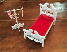 RARE VINTAGE BARBIE - TUTTI & TODD Susy Goose Dutch Bed & Clothes Tree Stand