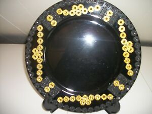 6PC BLACK AND GOLD DECORATED  PLATE CHARGERS
