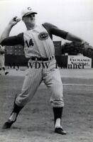 Vintage Photo 35 - Cincinnati Reds - Pete Rose