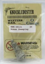 Knuckleduster KWR-48121 Woman Sweeping (O Gauge) Scale Old West Female Townsfolk