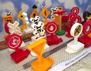 28 Pieces Toy Trains; SIGNS Track for Thomas / BRIO / and Others WOW! LQQK (4b)