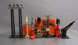 Lionel 7 Marx Vintage O Gauge Assorted Postwar Accessories [8]