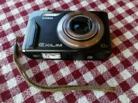 Casio Exilim Camera 10X 14,1 megapixel rechargeable lithium ion battery included