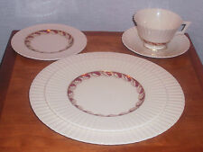 RARE! DISCONTINUED LENOX CHINA SAVOY MAROON PATTERN 5 PIECE PLACE SETTING MINT