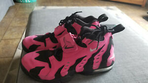 NIKE AIR DT MAX  SIZE 11.5   NEW WITHOUT BOX   PINK CANCER AWERNESS