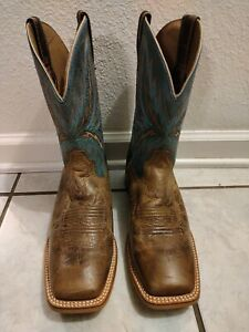 Ariat Boots Mens: size 9