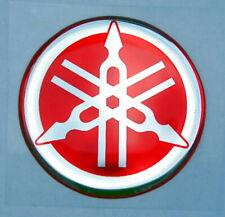 ORIGINAL Yamaha- 4cm -EMBLEM -Aufkleber-ROT/CHROM-Emblème-Emblema-40mm LOGO