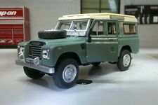 Modelo de escala 1:43 Land Rover Serie 2a 3 109 LWB Station Wagon Oxford Cararama