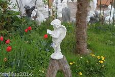 Statue ange débout avec bouquin en pierre reconstituée, ton pierre blanche