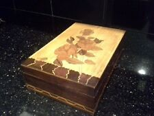 """Vintage Wooden Box Inlaid Wood Marquetry Design with Roses, 11"""" x 7"""""""