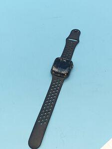 Apple Watch Series 4 44mmNIKE PLUS SPACE GRAY Sport Band GPS  FAULTY SL21