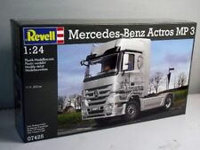 Revell 4725 1:24th scale  Mercedes-Benz Actros MP3