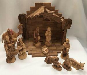 "VTG 14 PIECE Olive Wood Nativity Creche Set Animals & Stable 13"" x 9"" x 11 3/4"""